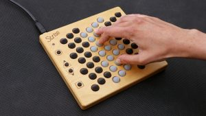 Striso board with hand